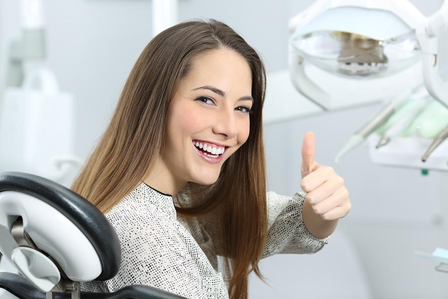 Gerade Zähne mit Smilemeup